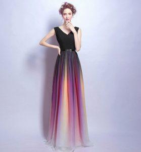 fbe85a6057576 結婚式やパーティーなどのお呼ばれシーンなどに大活躍するドレスです。 スカート部分のカラーがなんともカラフルで素敵!  全体的にまとまっているので、華やかさの中に ...