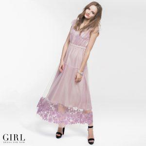352a1c5af955a チュールに直接刺繍を施したデザイン。ドレスと同系色で揃えたフラワーモチーフの刺繍は重厚感があり、華やかさをプラスしてくれます。